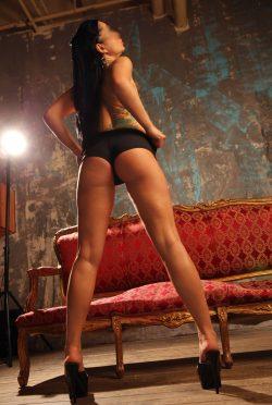 Развратная девушка ищет в Тольятти приятного мужчину для секса